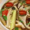 トムヤムヘッド| ต้มยำเห็ด|キノコの辛酸レモングラススープ